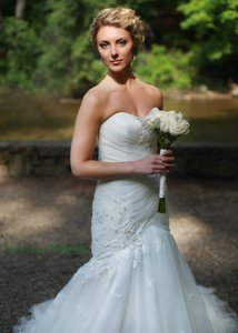 Anjolique Ivory Tulle Feminine Wedding Dress Size 4 (S)