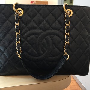 Chanel Tote in Black caviar