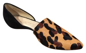 Coye Nokes leopard with black Flats