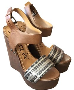 Lanvin tan Wedges