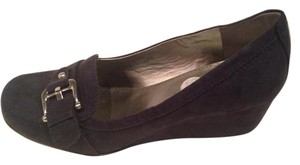 Unisa Navy with silver buckle Wedges