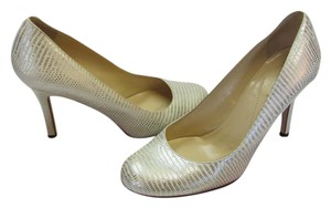 Kate Spade Size 6.00 M Leather Sole Reptile Design Very Good Condition Silver, Neutral Pumps