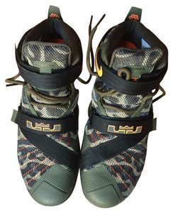Nike Lebron Soldier Camouflage Athletic
