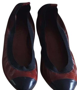 Chanel burgundy and navy Flats