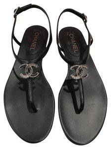 Chanel Lambskin Leather Thong black Sandals