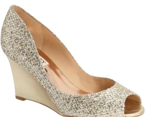 Badgley Mischka Platino Glitter Gold Wedges