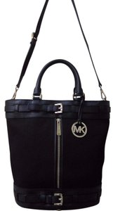 Michael Kors Mk Logo Logo Mk Kingsbury Bucket Bucket Tote in BLACK CANVAS LEATHER/ GOLD HARDWARE