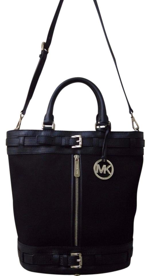 ea5310ccedd3 Michael Kors Bucket Kingsbury Black Canvas Leather/ Gold Hardware Tote