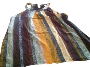 The Limited Style Brown Solid T Shirt Feel In Back.. Like New Black and earth tones Halter Top