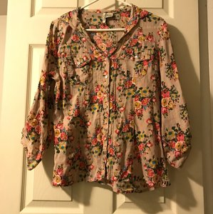 Love Potion Flowers Button-up Vintage Lightweight Airy Top tan + floral