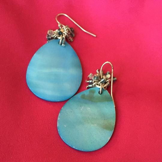 The Limited Blue Shell Earring