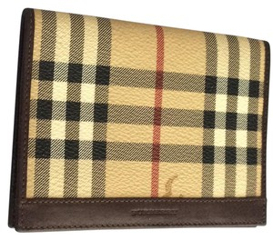 Burberry Burberry Haymarket Passport Wallet