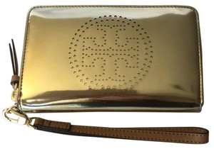 Tory Burch Wallet Metallic Wallet Wallet Wristlet in Gold
