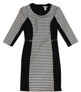 79ad72e24928 H&M Dress. H&M Houndstooth Fitted Longsleeve Mid-length Work/Office Dress  Size 6 ...