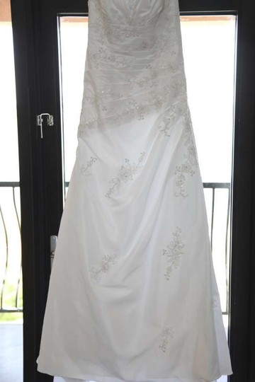 David's Bridal White Wg3011 Feminine Wedding Dress Size 6 (S)