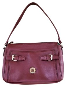 Tommy Hilfiger Leather Zip Top Shoulder Bag