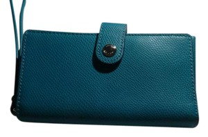 Coach NWT Coach Leather Phone Clutch Wristlet Wallet Turquiose F53977