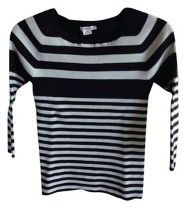 Liz Claiborne Nwt Size Medium Stripe Sweater