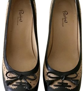 Preview International Black and Tan Pumps