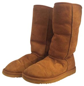 UGG Australia Classic Uggs Size 9m Tall Ugg Brown Boots