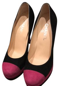 Chanel black and pink Pumps