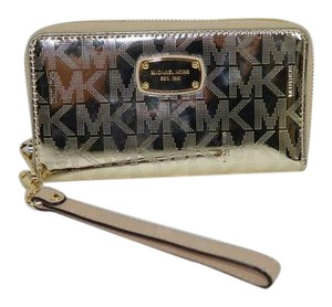 Michael Kors Jet Set Item Large Flat MF phone case Wristlet Wallet gold Grayson NWT