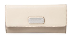 Marc by Marc Jacobs Marc By Marc Jacobs New Q Leather Light Sand Multi Leather Wallet