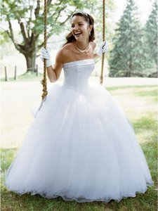 David's Bridal Strapless Tulle Ball Gown With Beaded Satin Bodice Nt8017 Wedding Dress