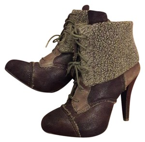 Max Studio Ankle Suede Retro Period Brown Boots