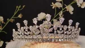Elegant Cubic Zirconia Bridal Tiara Silver Plated Style T-013-a