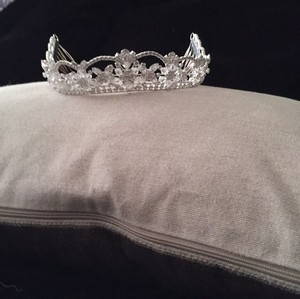 David's Bridal Crystal/Diamond-like Tiara