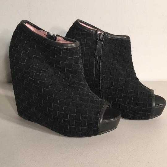 Preload https://img-static.tradesy.com/item/20606529/senso-suede-wedges-bootsbooties-size-us-6-regular-m-b-0-0-540-540.jpg