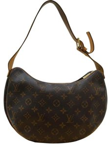 Louis Vuitton Lv Croissant Mm Monogram Shoulder Bag