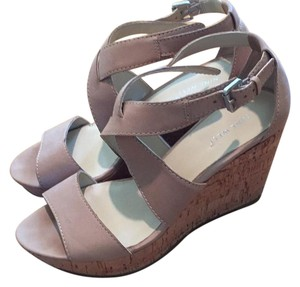 Nine West nude Wedges
