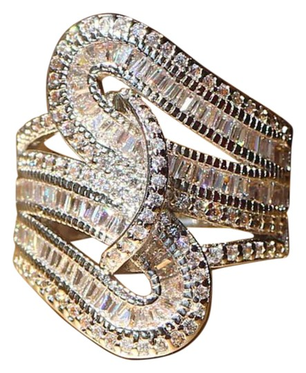 Preload https://img-static.tradesy.com/item/20607305/silver-new-stunning-white-gold-filled-cocktail-ring-0-1-540-540.jpg