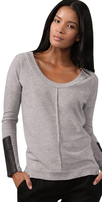 Preload https://img-static.tradesy.com/item/20607552/grey-scoop-neck-with-leather-panels-sweaterpullover-size-4-s-0-1-650-650.jpg