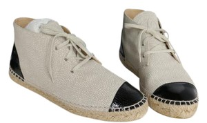 Chanel High Top Espadrilles Size 40 Beige/Black Flats