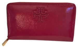 Tory Burch Charlie Patent Continental Zip Wallet