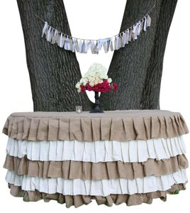 Natural 5 Tier Rustic Burlap Jute Ruffled Wedding Tablecloth