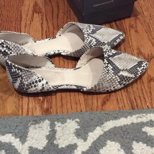 Vince Camuto Black/Ivory Flats