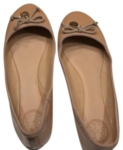c5456465b8d7 Beige Other Flats - Up to 90% off at Tradesy