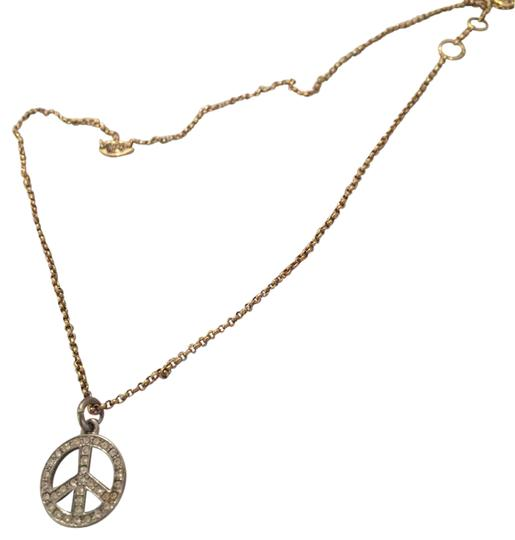 Preload https://img-static.tradesy.com/item/20609702/juicy-couture-gold-peace-sign-necklace-0-1-540-540.jpg
