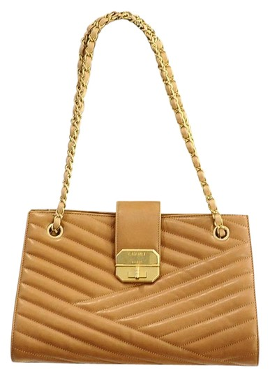 Preload https://item2.tradesy.com/images/chanel-gabrielle-chevron-accordion-beige-leather-tote-20609721-0-2.jpg?width=440&height=440