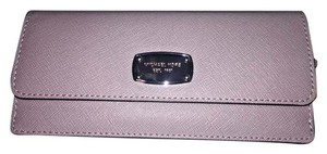 Michael Kors MICHAEL MICHAEL KORS JET SET TRAVEL SAFFIANO LEATHER FLAT WALLET