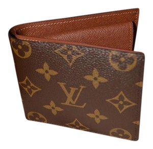 Louis Vuitton Men's Monogram Marco Wallet with Coin Compartment Billfold NEW!