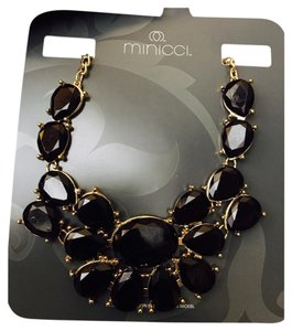 Minicci Beautiful black statement necklace