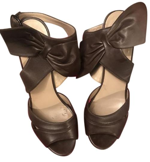 Preload https://img-static.tradesy.com/item/20610638/valentino-brown-satin-bow-wedges-size-us-8-regular-m-b-0-3-540-540.jpg