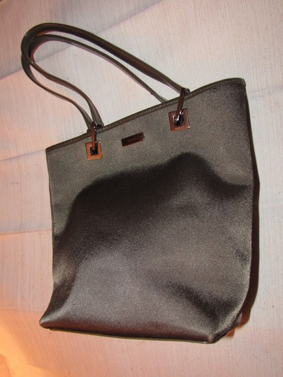 Gucci Great Everyday Bold Chrome Accents Perfect Medium Excellent Condition Dressy Or Casual Tote in brown heavy satin fabric & brown leather