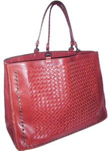 Bottega Veneta Tote in Reddish Brown