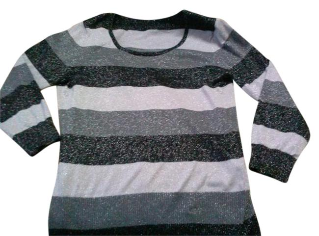 Preload https://img-static.tradesy.com/item/20611576/cable-and-gauge-blackgray-striped-glitter-sweaterpullover-size-10-m-0-1-650-650.jpg